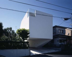 Dancing Living House in Yokohama by Junichi Sampei
