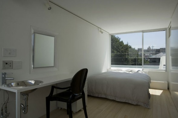 minimalist bedroom decor Dancing Living House by Junichi Sampei