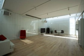 exercise room decor @Dancing Living House by Junichi Sampei